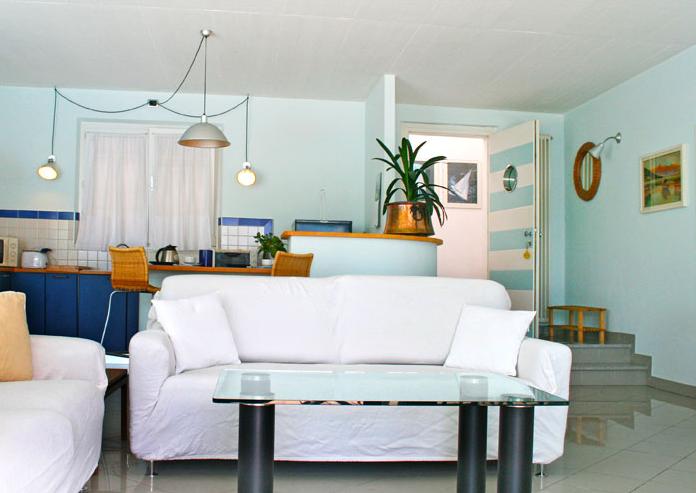 De woonkamer van Villa Darsene