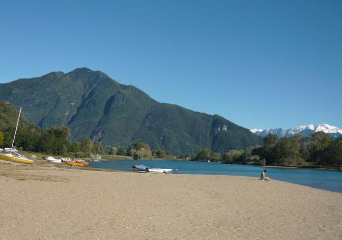 strand-rivier-mera-comomeer