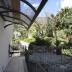 De entree, en twee terrassen